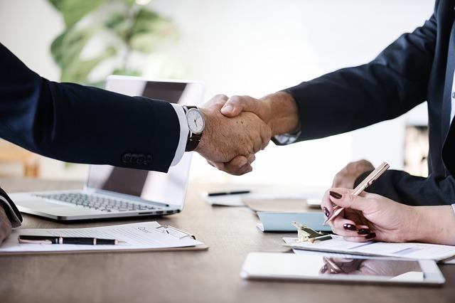 budowanie pozytywnych relacji biznesowych